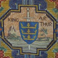 images/singlethread/embroidery/kneelers/e-kingarthur.jpg